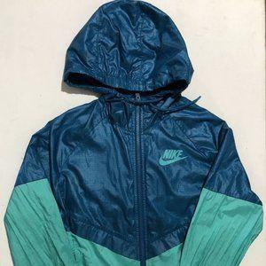 USED : Nike wind jacket in size XS